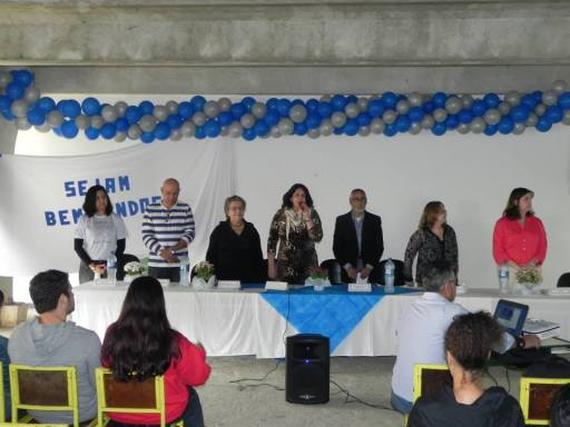 Da esquerda pra direita: Magda Rangel,prof Ronaldo Amorim, profª Bertha do Valle, profª Rosali Zavoli, prof Larry Busquet, profª Marilene Cadei e profª Aline Peçanha