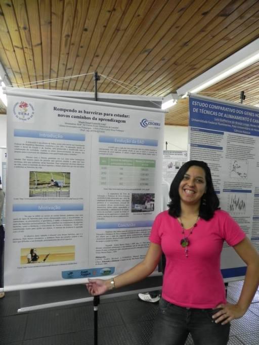 """A estudante Magda Rangel apresentou o trabalho """"Rompendo as barreiras para estudar: novos caminhos da aprendizagem"""", que foi selecionado para a 2ª fase do evento, na categoria Pesquisa"""