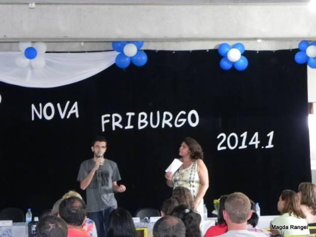 Sergio Pinho, estudante de Ciências Biológicas, apresentando o blog do Polo
