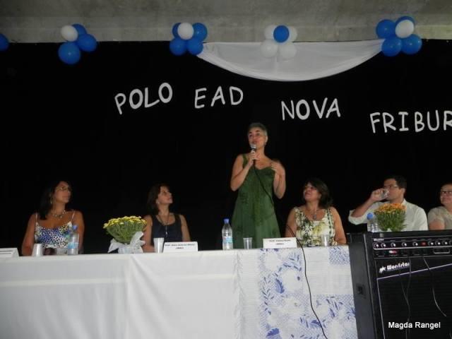 Professora Fátima Kzam, representante do Consórcio CEDERJ