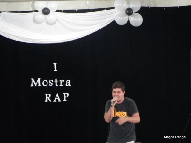 """Fellpz, do grupo Primeiro Ofício, apresentou a música """"Eu tenho"""""""